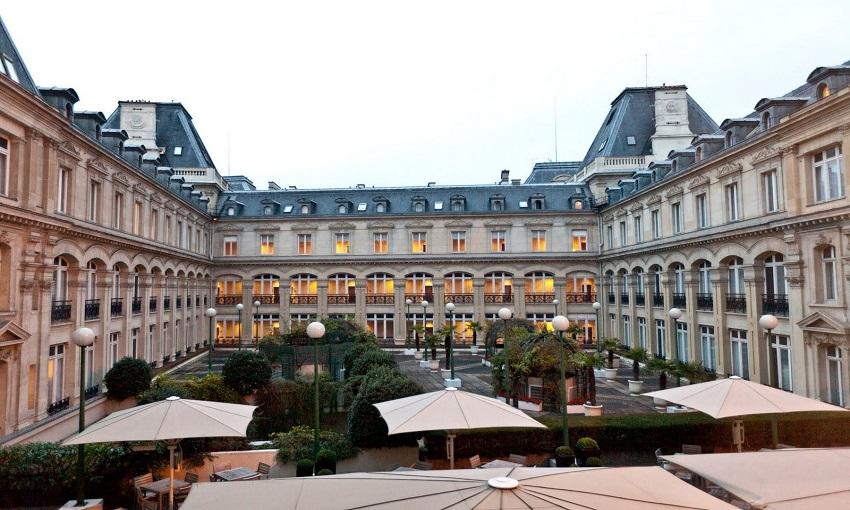 PARIS CROWNE PLAZA REPUBLIQUE 4****